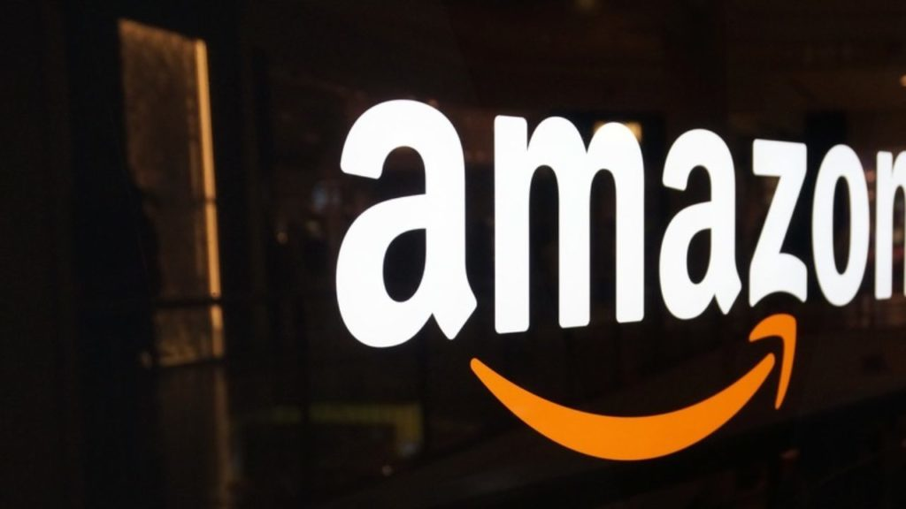 1.5 Lakh Offline Retailers Claim Amazon Is Cheating; Asks Govt To Put A Limit On Amazon's Daily Sales