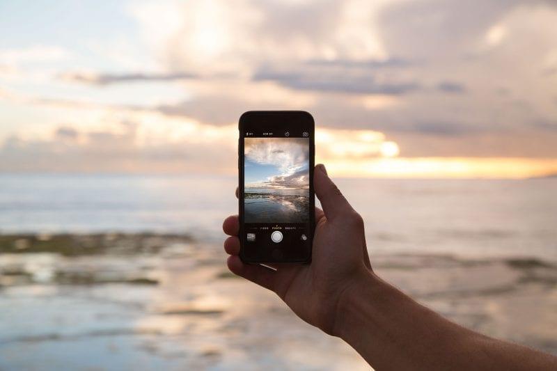 Las mejores apps para facilitarte la vida durante tus viajes. Por categoría y en uso.