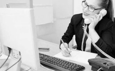 Secretariado e infraestructura administrativa con un coste mínimo
