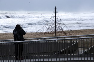 This guy probably tried to capture the same thing. Big waves!