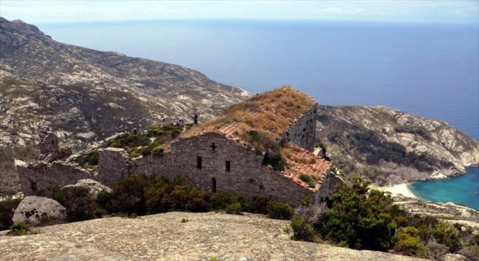 Isola di Montecristo montecristo toscana isola di Montecristo foto isola di Montecristo visite