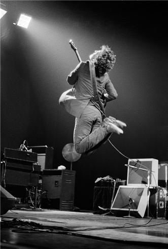 Bruce Springsteen leaps
