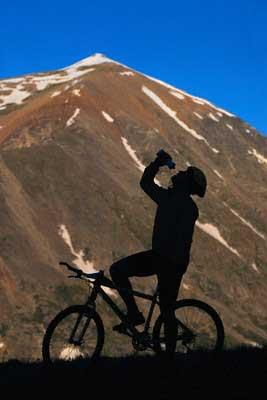 Deltagarna i studien fick utföra tester och träning på en cykel. Tyvärr för dem så var på en stationär cykel i ett laboratorium och inte i den här härliga miljön