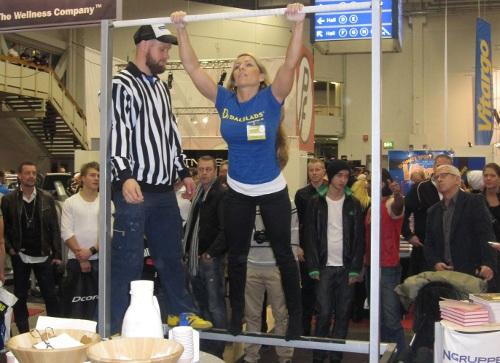 Liv Strandvik var första kvinnliga deltagare i chinstävlingen