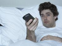 Titta på tv sent i sängen är dåligt för hälsan