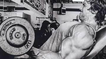 Variation av övningar, lätta och tunga vikter, protein innan läggdags och varför failure?