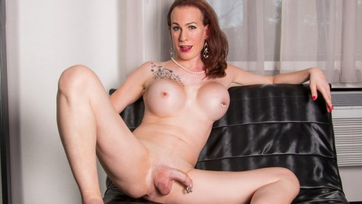 Canada-tgirls – Get Naughty With Ms Julia Epiphany!