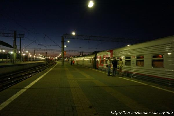 シベリア鉄道乗車直前のホーム画像