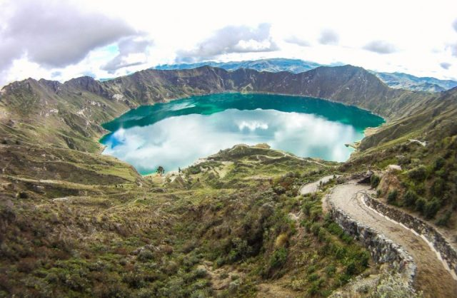 From the Andes to the Pacific, road cycling in Ecuador