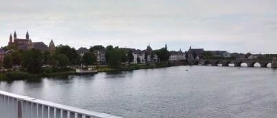 The Meuse river as seen from the De Hoek Brögk bridge.