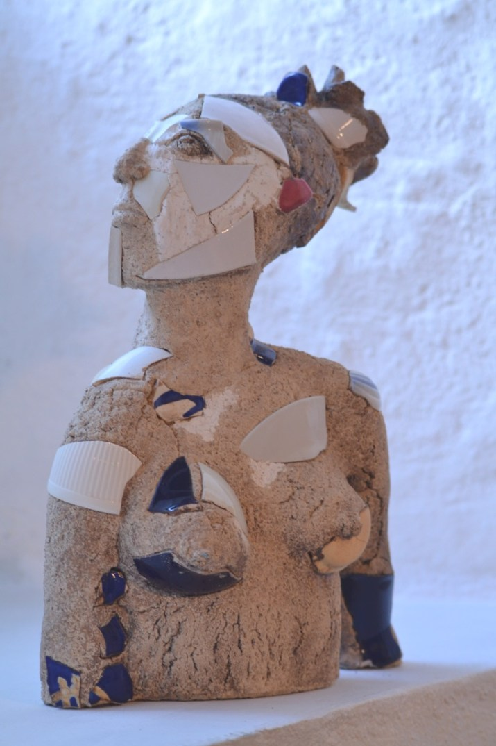 Sculptures made of clay by Judith Heinsohn.