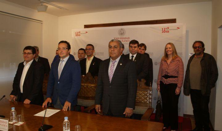 En primer plano, de izquierda a derecha, Carlos Fernando da Silva Ramos, Juan Manuel Corchado y Jerónimo Silva.