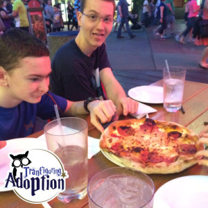 red-oven-pizza-bakery-universal-studios-kids-eat