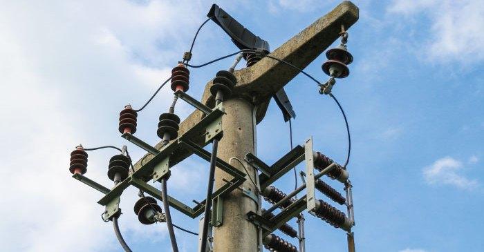 Série Cases – Substituição de cabos e cruzetas em rede de alta tensão de 15 kV