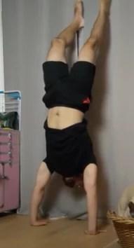 handstand loin du mur