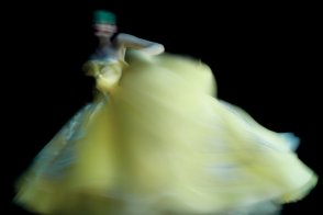 ming-xi-by-nick-knight-for-v-magazine-71-2011-4