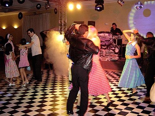Festa anos 60 e a pista de dança
