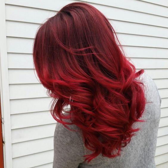 cores de cabelo feminino Vermelho intenso