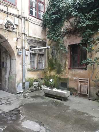 curtea Casei Schobeln2