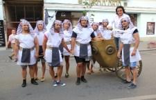 """Rugbyștii de la """"U"""" au făcut parte din corpul de voluntari figuranți din cadrul operei Aida,   pusă în scenă în Piata Unirii / Foto: Dan Bodea"""