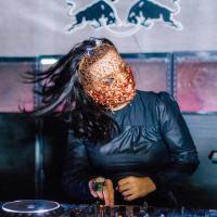 BJÖRK ACTUÓ POR SORPRESA COMO DJ EN 5º ANIVERSARIO DE TRI ANGLE RECORDS