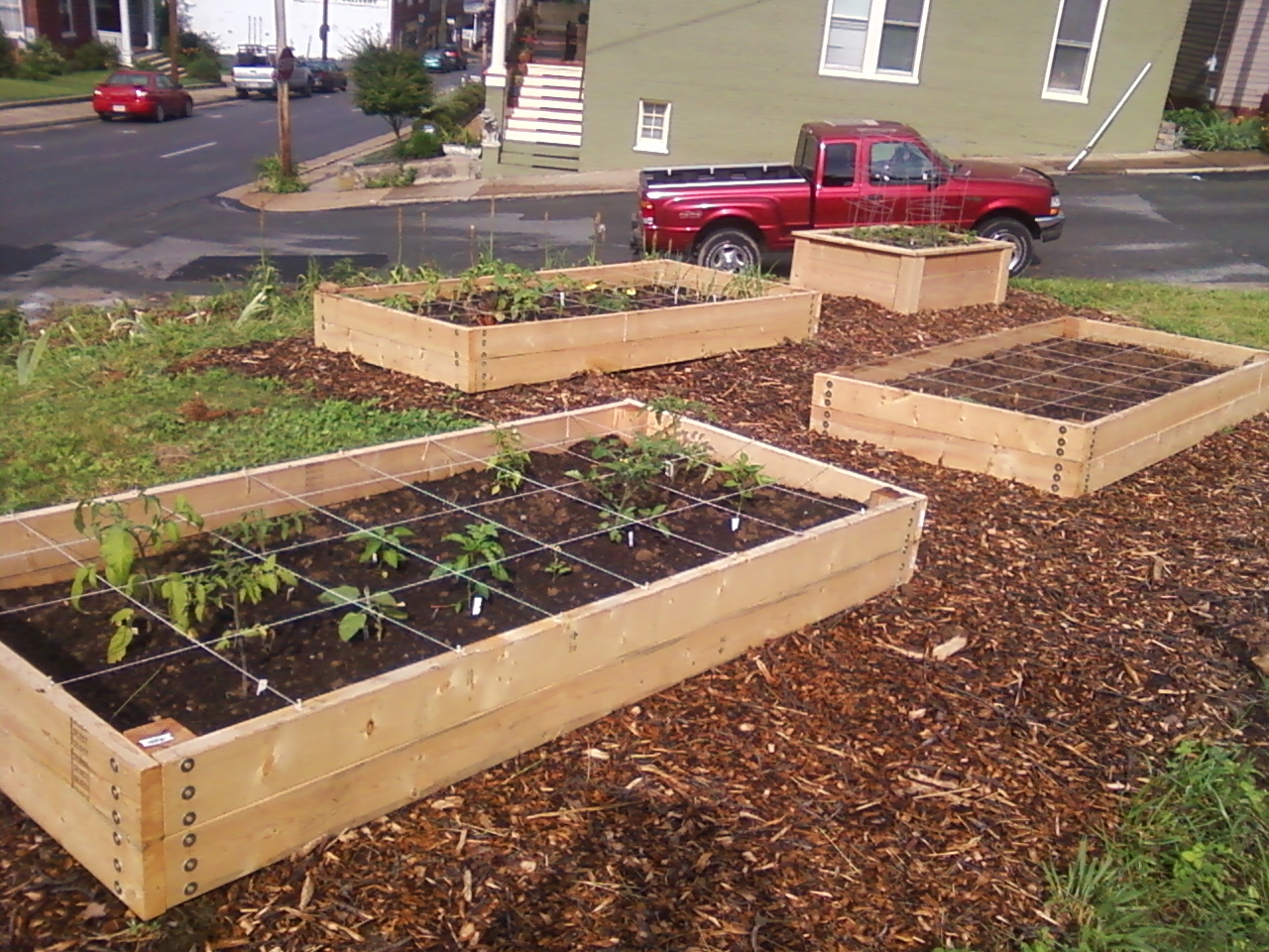 The Local Transition Groupu0027s Brand New Community Garden Needed Raised Beds.  So We Tried A Couple Different Ways To Get Them.