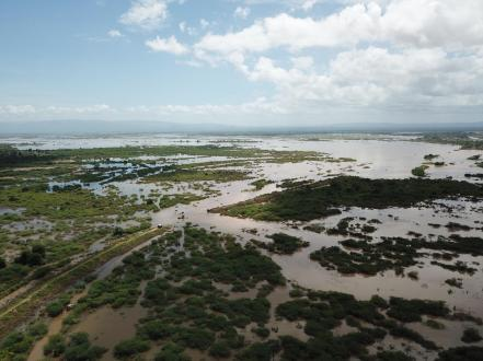 WFP SENDS FIRST RESPONSE TO CYCLONE IDAI HIT AREAS IN MOZAMBIQUE ÒTropical Cyclone IDAI has made landfall near the heavily-populated Mozambican port city of Beira, which has compounded destructive flooding that has already occurred as far inland as southern Malawi and eastern Zimbabwe. The World Food Programme has been stepping up preparations to meet large scale assistance needs. Over 900,000 people in Malawi, and 600,000 in Mozambique have already been affected by exceptionally severe flooding this week caused by heavy rains associated. Photo: WFP/Photolibrary