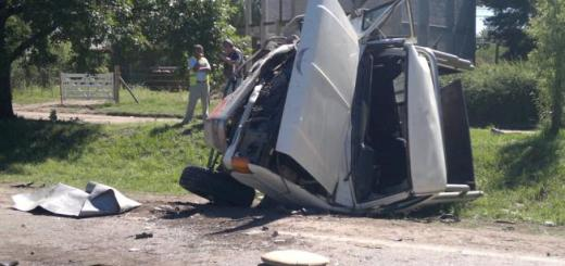 Así quedo el auto luego del choque en Ruta 5 (Foto: LaVoz)