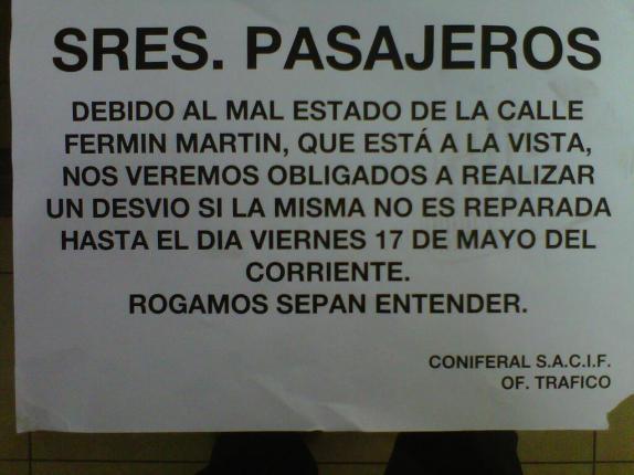 Notificación de Coniferal a los pasajeros (Foto: @juandelacalle)