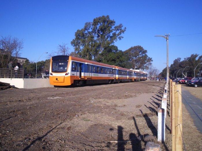Tren de las Sierras en Estacion Rodriguez del Busto - panoramio