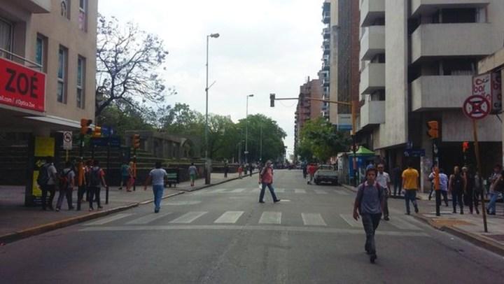 Calle 27 de Abril - 3