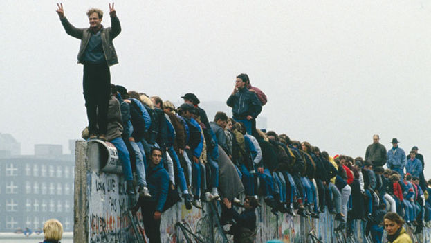 The fall of the Berlin Wall or the birth of a new era (Archive Photo)