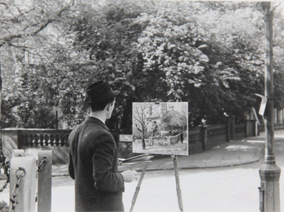 Marek Zulawski painting a street scene somewhere in London in 1937.