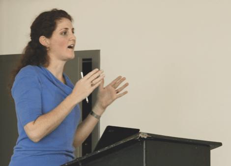 Florencia Pettigrew details LinkedIn's advantages.