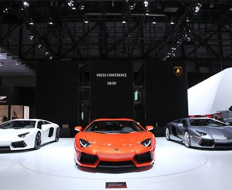 Geneva Watch: Lamborghini Aventador LP700-4 colours - spoilt for choice