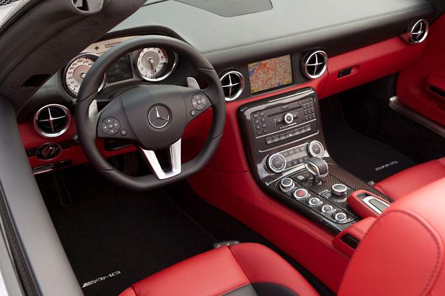 Mercedes SLS AMG Roadster - Interior