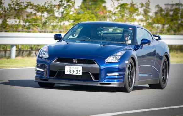 Usain-Bolt-Nissan-GT-R-G3