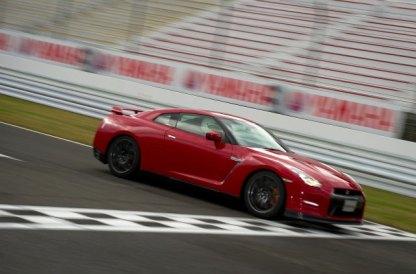 2013-Nissan-GT-R-Sendai-Circuit-G12