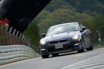 2013-Nissan-GT-R-Sendai-Circuit-G2