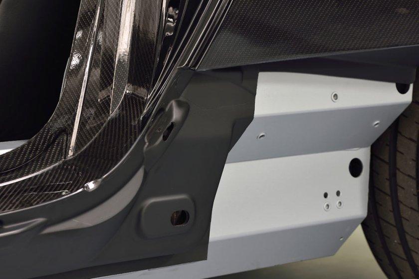 Aston-Martin-Vanquish-VH_G6