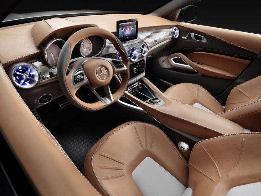 Mercedes-GLA_G27