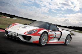 Porsche-918-Spyder-Nurburgring-record_G12