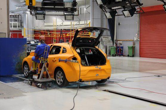 Volvo-crash-lab-11-Feb_14