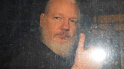 Mairead Maguire requests to meet Julian Assange