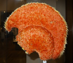 Hawaiian_feather_helmet_british_museum