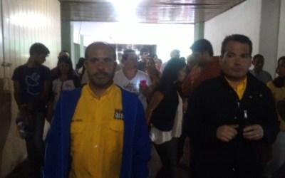Diputados visitaron residencias atacadas por cuerpos de seguridad del Estado
