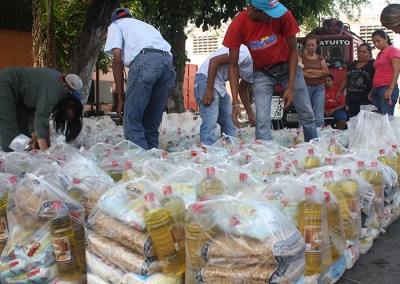 Vecinos de cinco comunidades denuncian disparidad en cobros y entregas de cajas CLAP