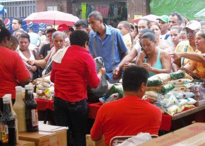 Misión Alimentación: De la gran red MERCAL a las bolsas CLAP