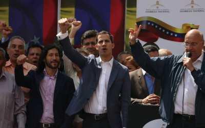 Juan Guaidó se apega a la constitución y asume competencias de la encargaduría de la Presidencia de la República