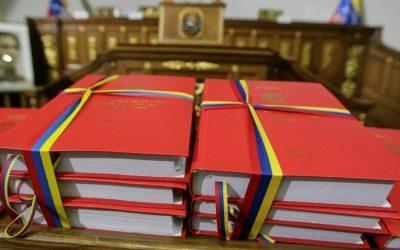 Entre la oscuridad y la ilegalidad aprobaron la Ley de Presupuesto 2020